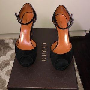 Gucci peep toe suede black heels